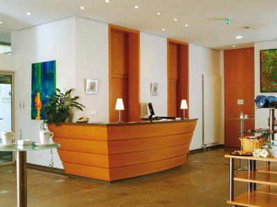 Waldhotel-Heiligenhaus-Tagung-Foyer