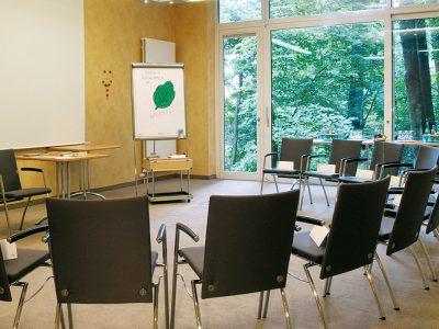 Waldhotel-Heiligenhaus-Tagung-Stuhlkreis